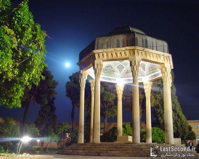 شیراز فرصتی برای گسترش گردشگر ادبی